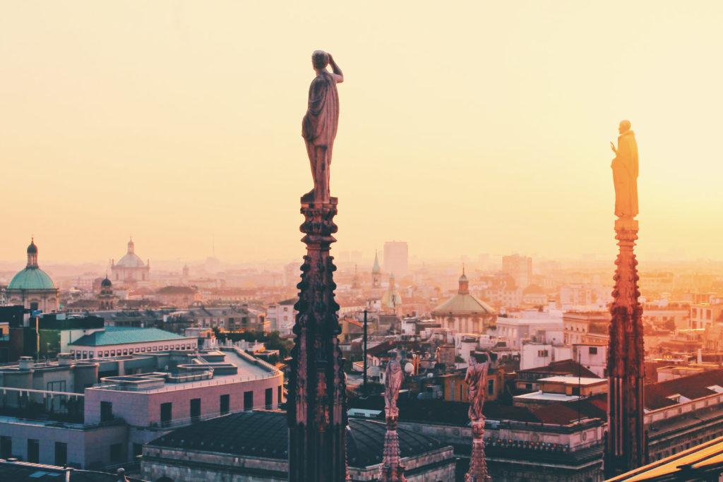 Milano-al-tramonto-dal-Duomo