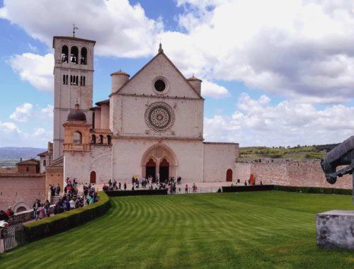 Cinque-curiosità-sulla-Basilica-di-San-Francesco-di-Assisi